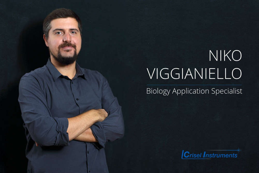 Niko Viggianiello - Biology Application Specialist He studied  Physics and took  a PhD in Quantum Optics and Integrated Photonics in Rome, he's responsible for marketing and technical support for products and integrated systems for microscopy and electrophysiology.
